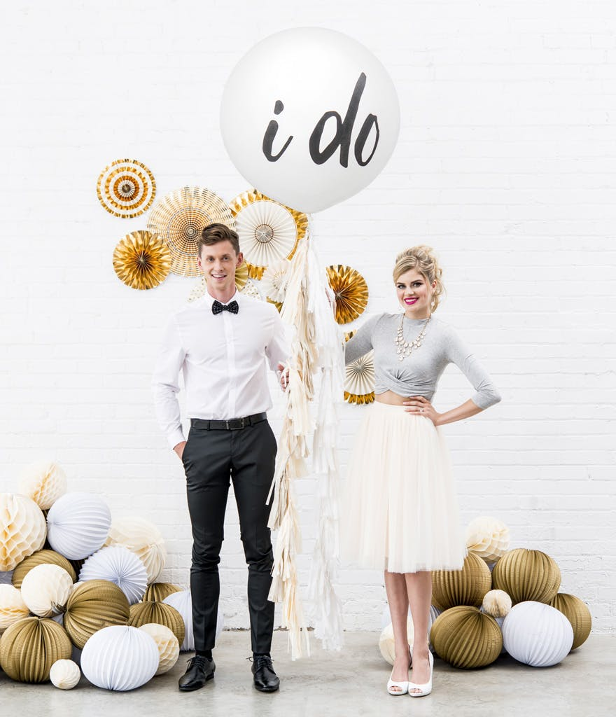I Do Balloons White and Gold Wedding | Confetti.co.uk