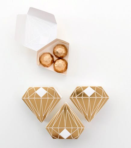 Metallic Gold and White Diamond Shaped Favour Box | Confetti.co.uk