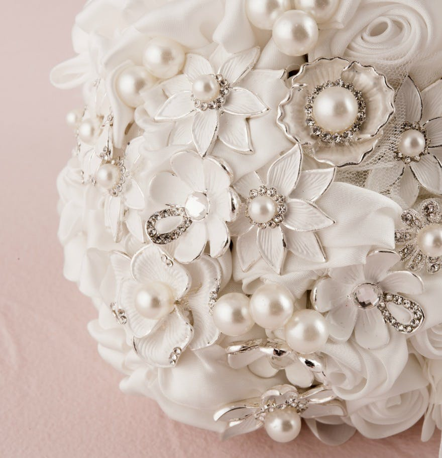 Beautiful Bridal Bouquets From Classic To Alternative Confetti