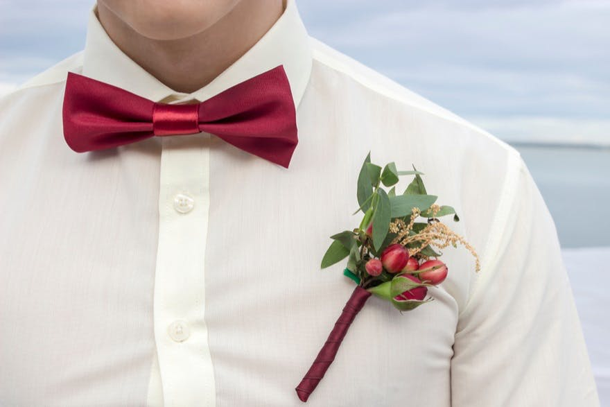 Rustic wedding buttonholes | Confetti.co.uk