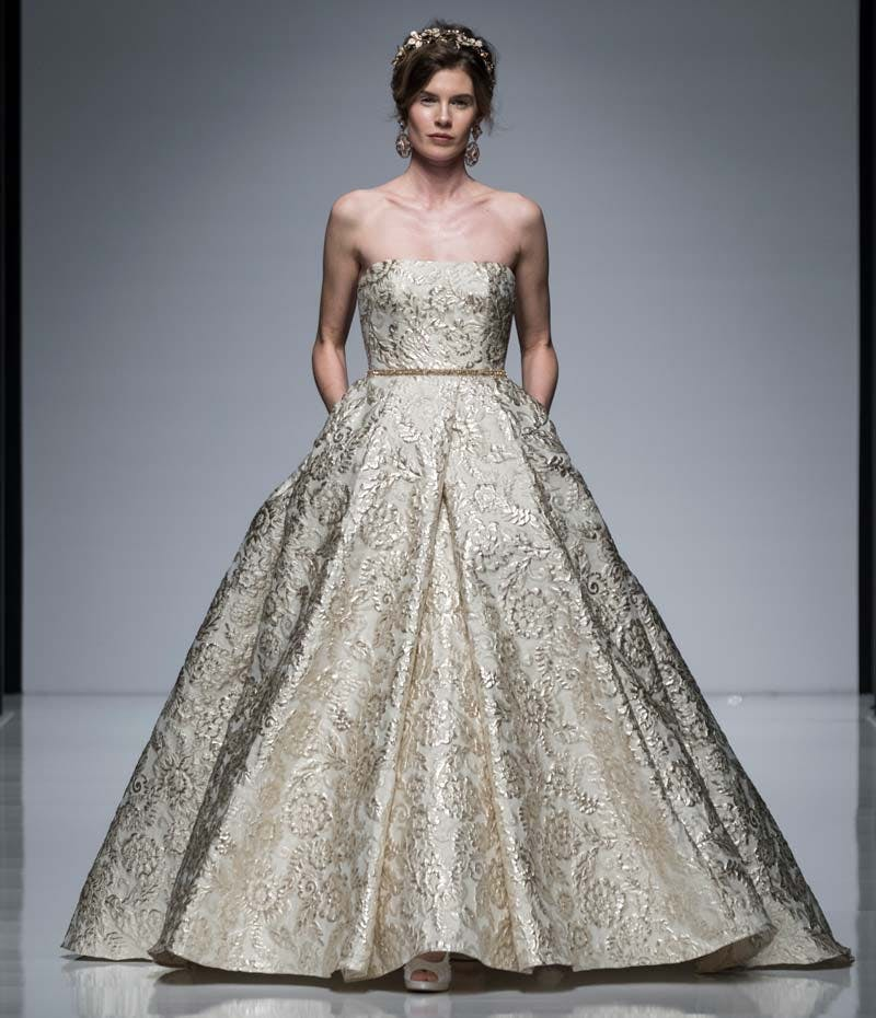 Wedding Gowns London: Designer Wedding Dresses: Stand Out Gowns At London Bridal