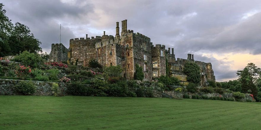 Berkeley Castle English Heritage Grade I Listed Building in Gloucestershire - Beautiful Historic English Castle Wedding Venues - Cotswolds Beautiful Castle Wedding Venue in the UK | Confetti.co.uk