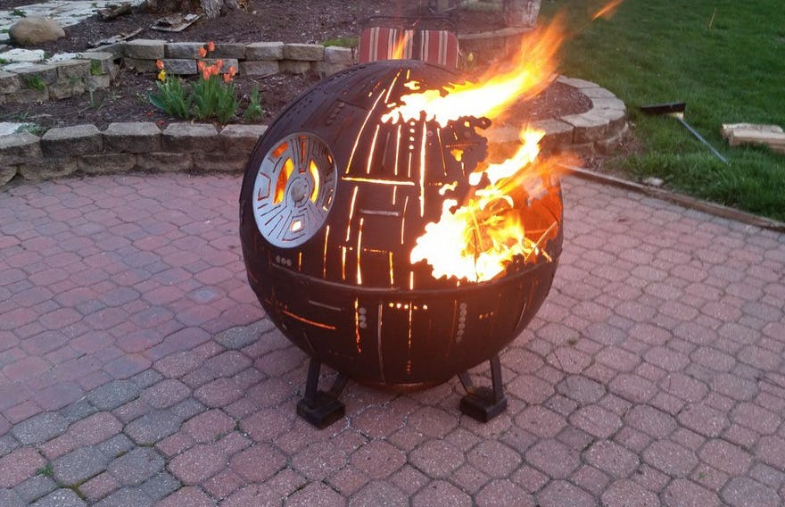Death Star Fire Pit | Confetti.co.uk