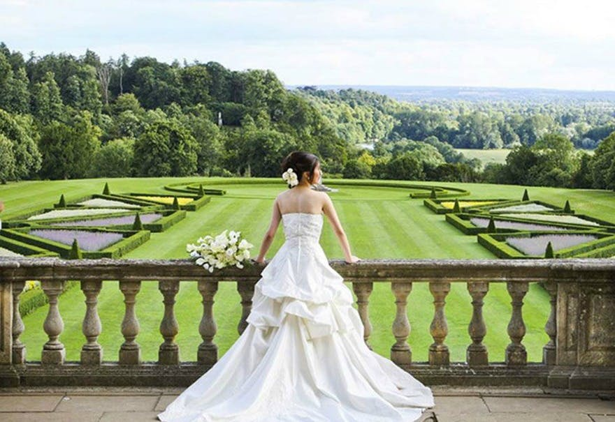Luxurious wedding venues Clivedon House Berkshire | Confetti.co.uk