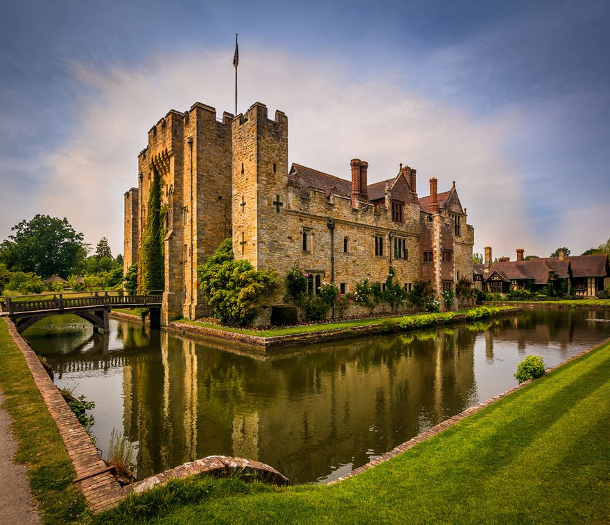 Romantic Hever Castle and Gardens in Kent - Childhood Home of Anne Boleyn - Sunset at Hever Castle with Bridge and Moat by Ozturk Aker on Flickr | Confetti.co.uk