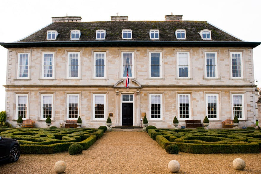 Stapleford Park Country House Hotel and Sporting Estate in Leicestershire - Magnificent White Stone 17th Century House Wedding Venues in the UK - Pride and Prejudice Style Georgian House - by Shoot Photography | Confetti.co.uk