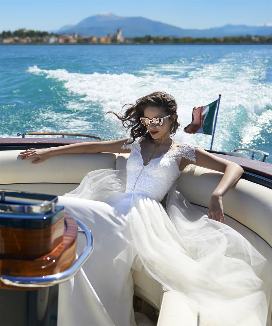 Stephanie Allin Couture 2017 Bellissimo Collection - Stylish Bride in a Private Speedboat in Italy | Confetti.co.uk