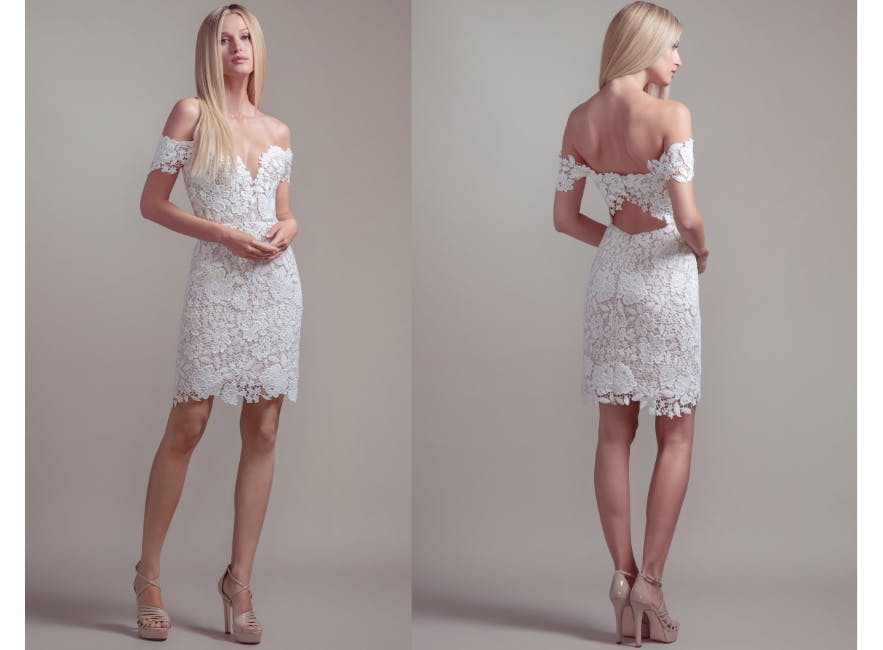 Short alternative wedding dress in lace