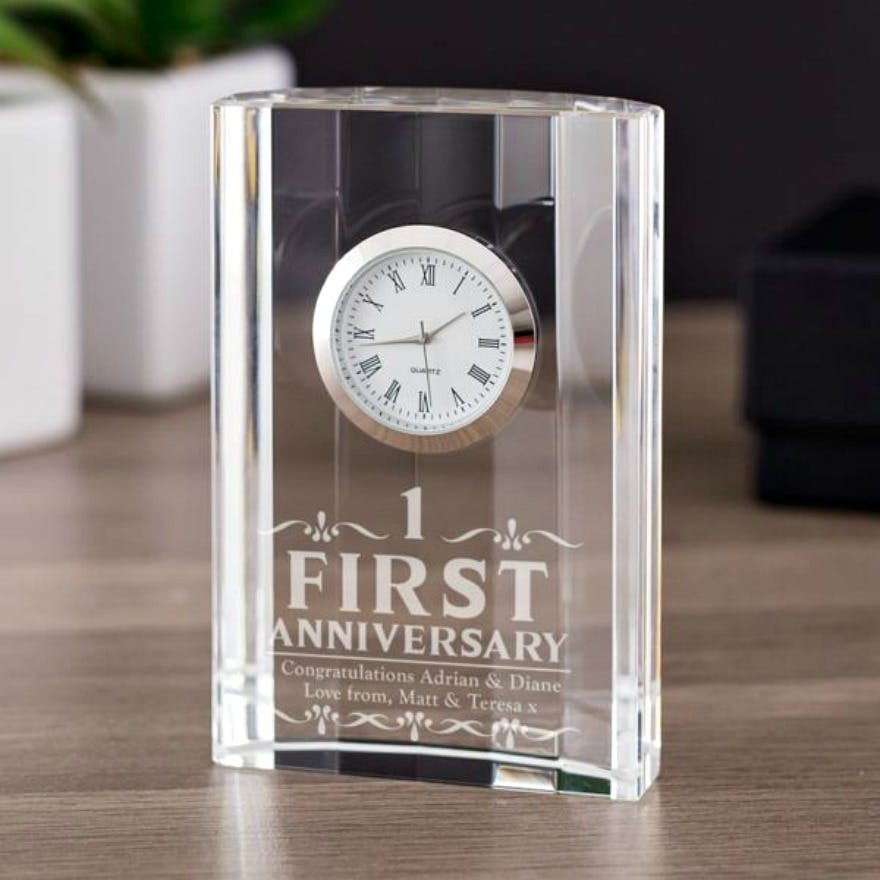 First Wedding Anniversary Gifts: Traditional And Modern