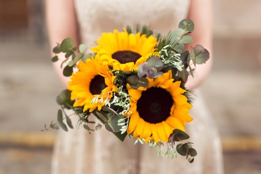 Sunflower bouquets | Confetti.co.uk