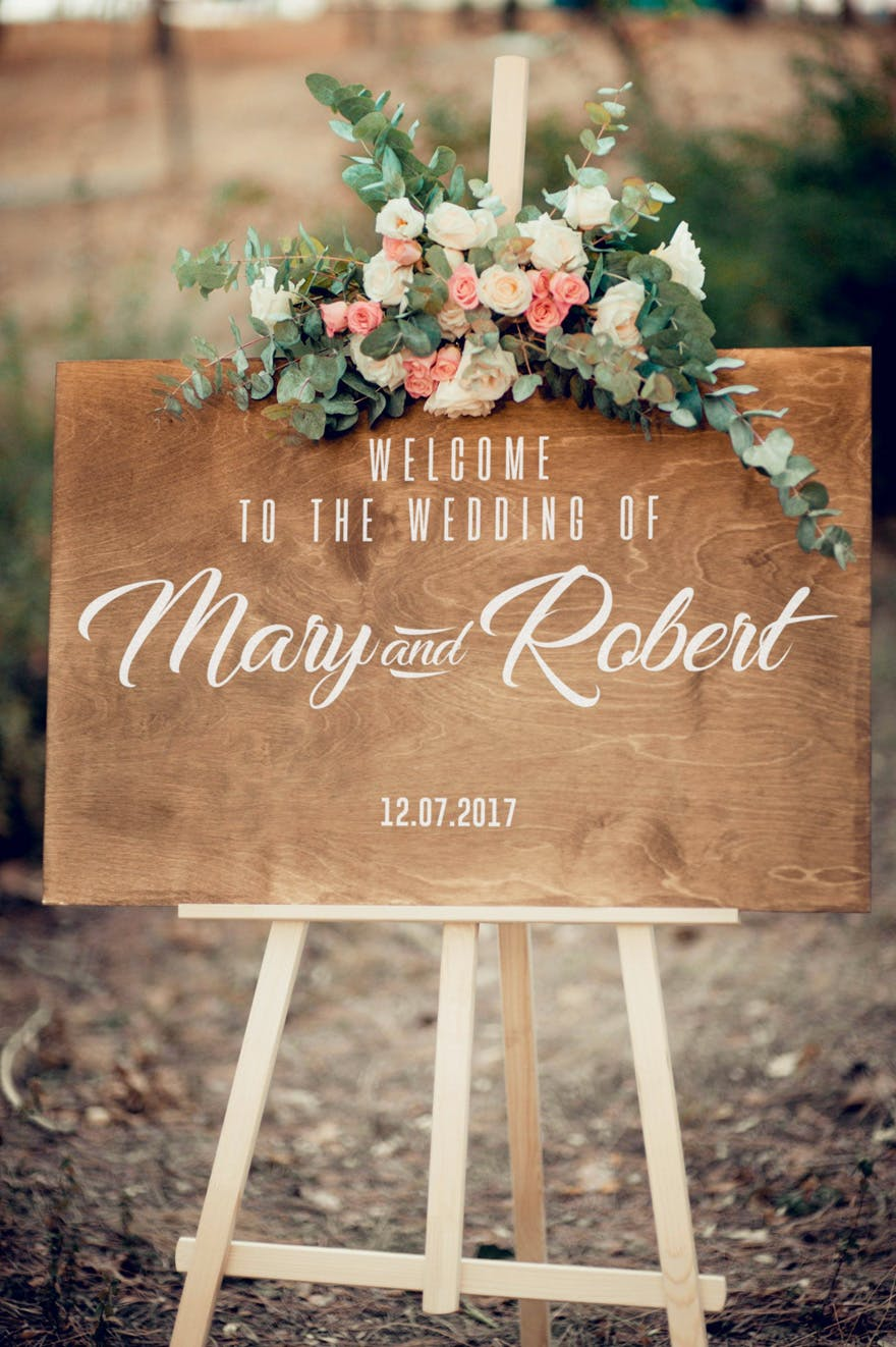 Vintage Rustic Welcome to the Wedding Sign on an Easel - Pink and Cream Roses | Confetti.co.uk