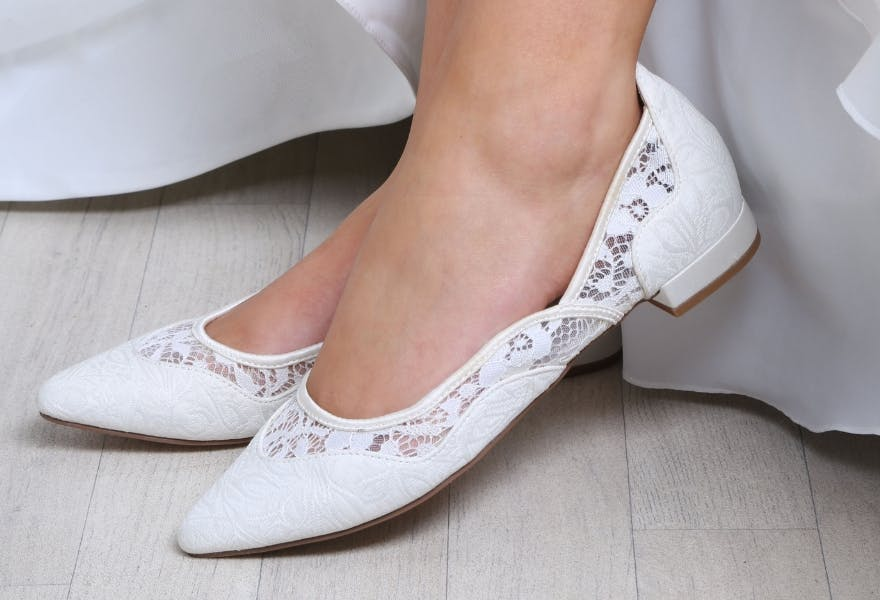 033296c0ae74 Flat Wedding Shoes  11 Flat Wedding Shoes for Comfort and Style
