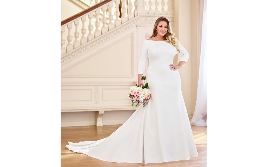 Plus size Meghan Markle style wedding dress