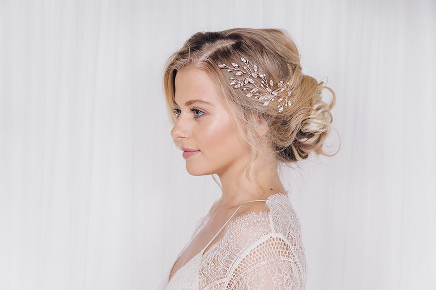 messy-updo-hairstyle-for-brides