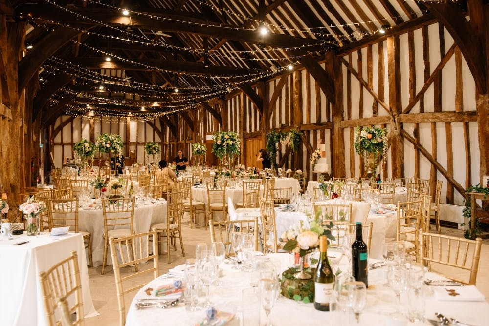 barn-venue-with-fairlyights