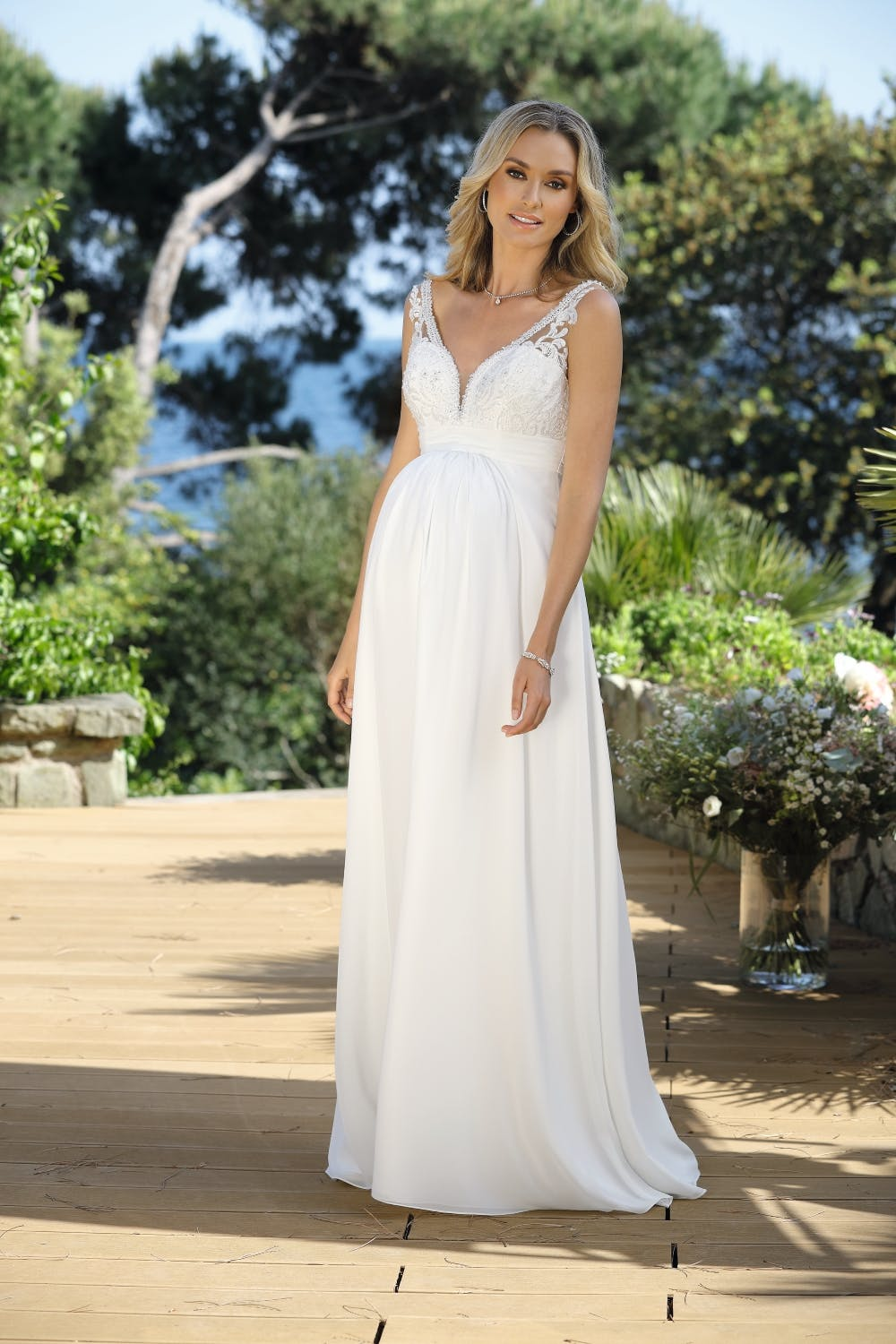 maternity-wedding-dress-with-straps