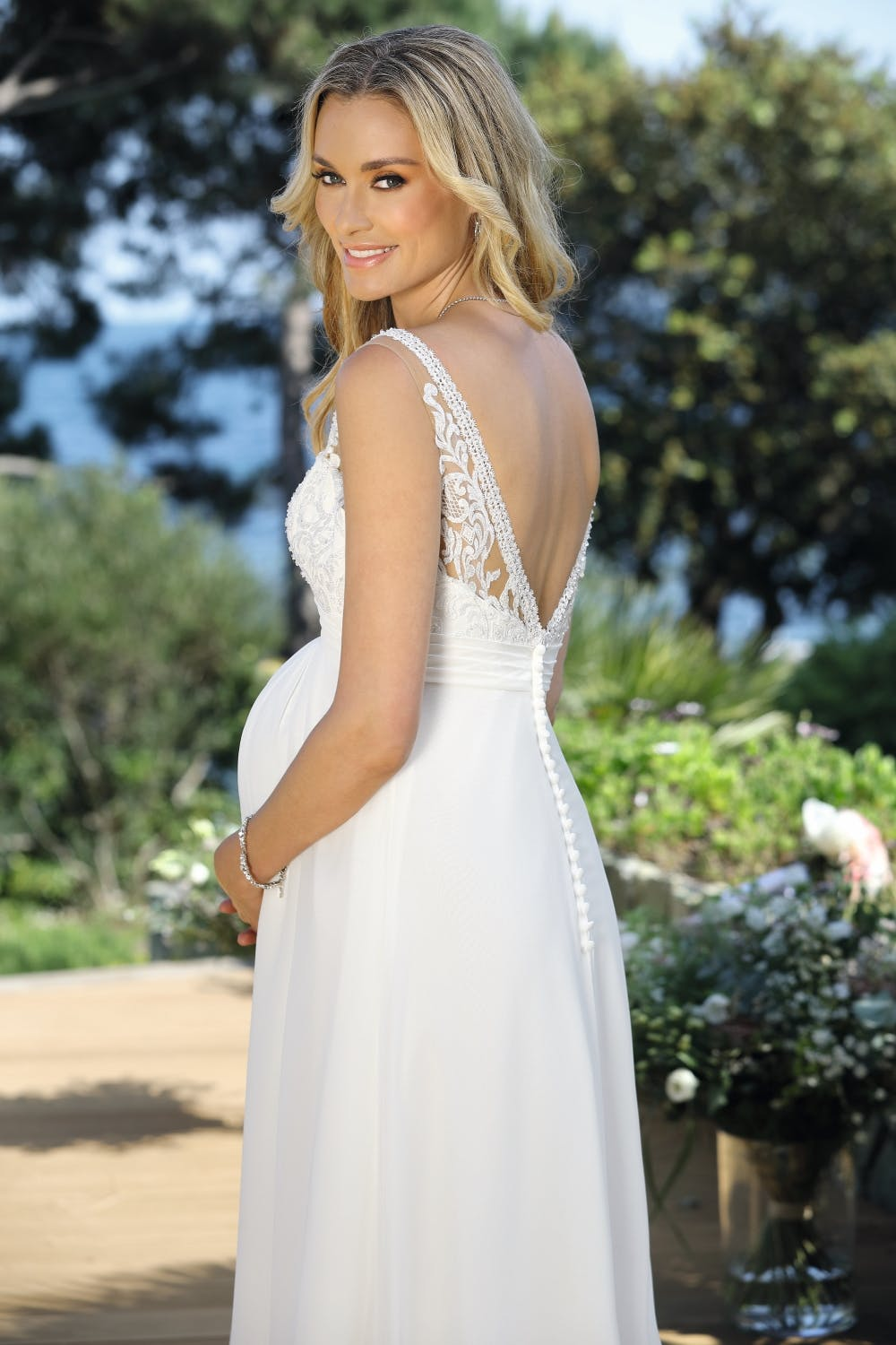 maternity-wedding-gown