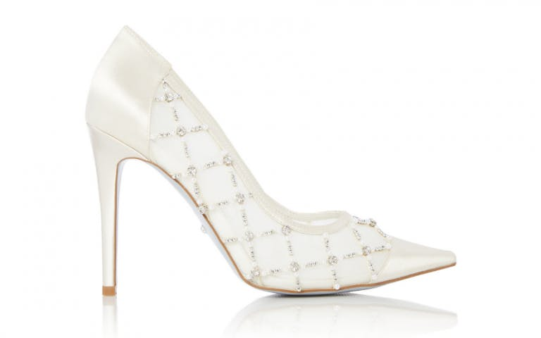 high-heeled-wedding-shoes-with-beads