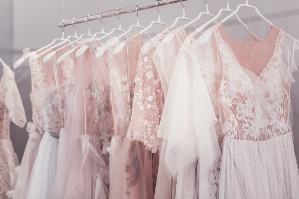 Wedding Dress Samples Sales The Definitive Guide Confetti