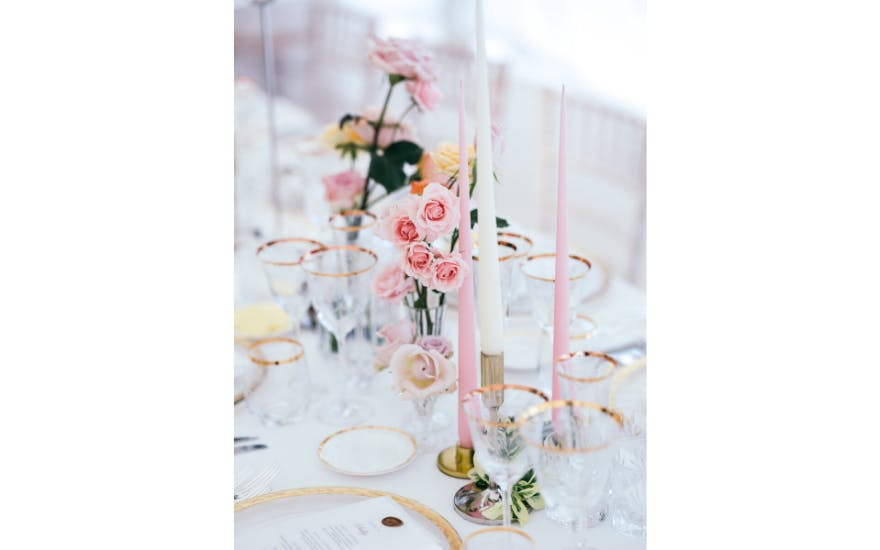 pink-and-white-wedding-flowers