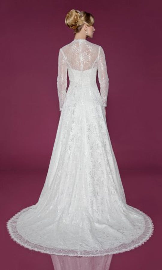 Benjamin Roberts Wedding Dresses 2412