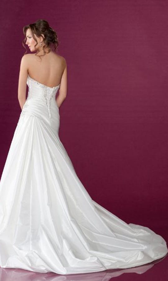 Benjamin Roberts Wedding Dresses 2420