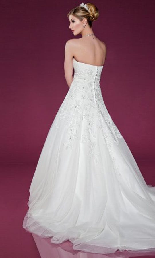 Benjamin Roberts Wedding Dresses 2401
