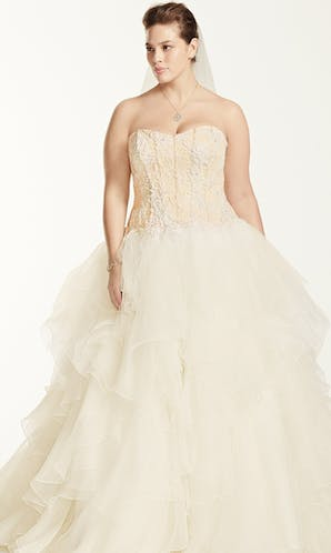 David's Bridal 2016 Oleg Cassini Woman 8CWG568