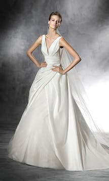 Pronovias 2016 Bridal Plus #28