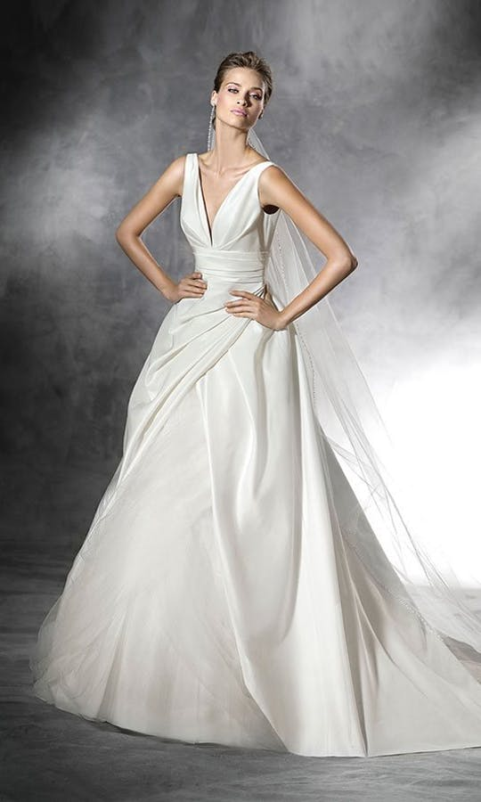 Pronovias 2016 Bridal Plus