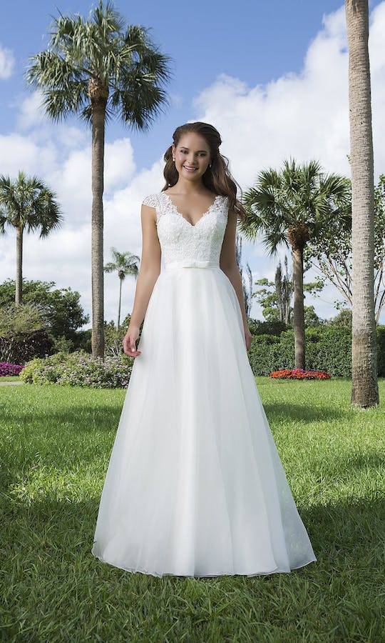 Sweetheart Gowns Spring/Summer 2016 6107