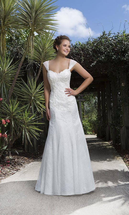 Sweetheart Gowns Spring/Summer 2016 6109