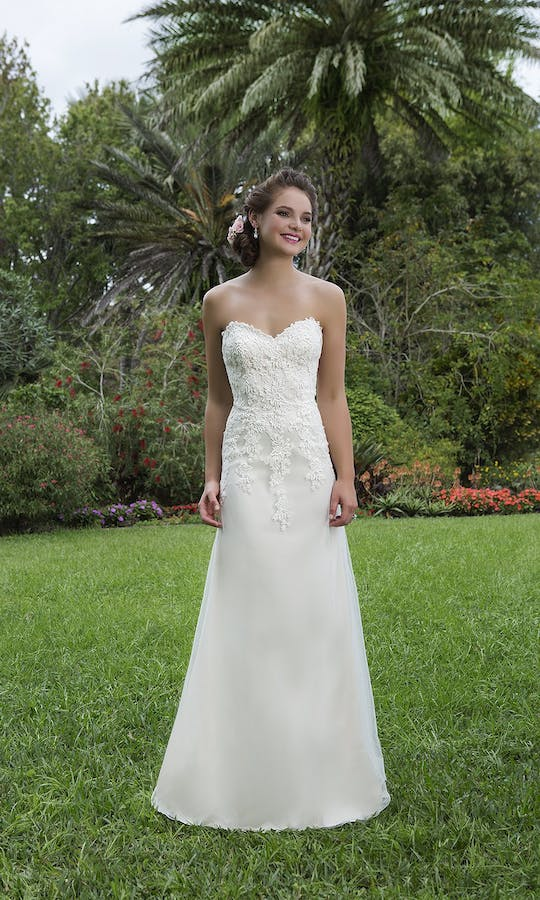 Sweetheart Gowns Spring/Summer 2016 6130
