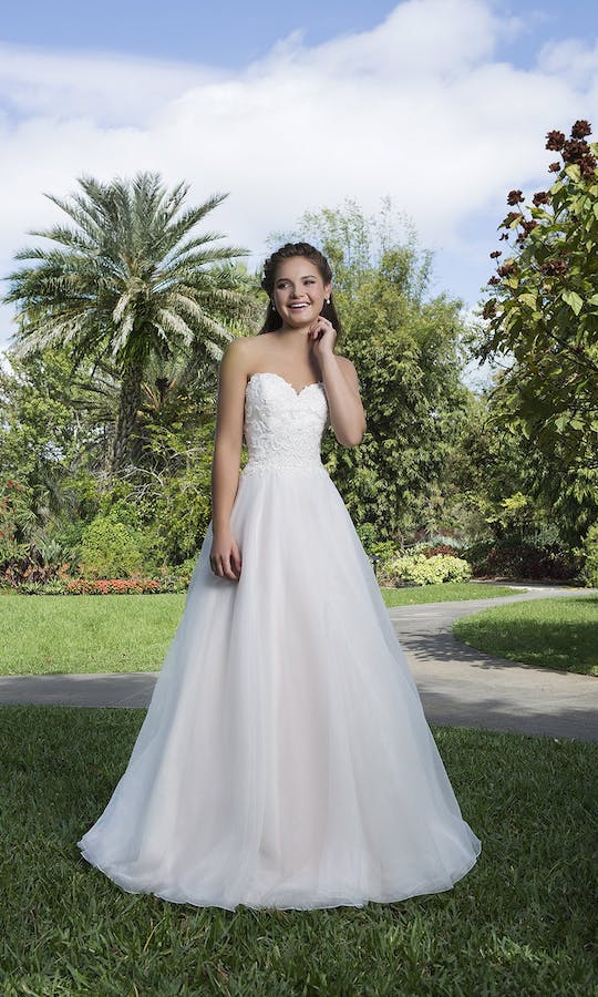 Sweetheart Gowns Spring/Summer 2016 6132