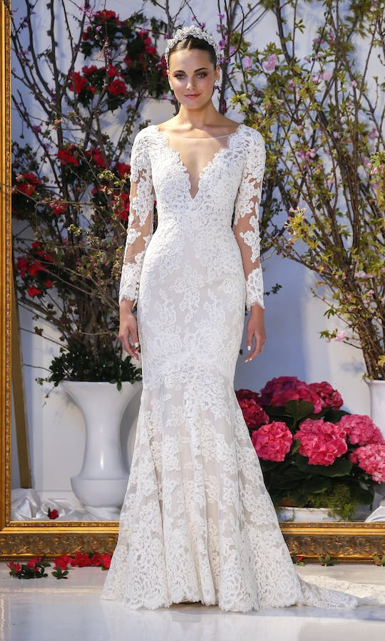 5b2554217f1e Laurel wedding dress - Anne Barge: Couture: Fall 2016 - Confetti.co.uk