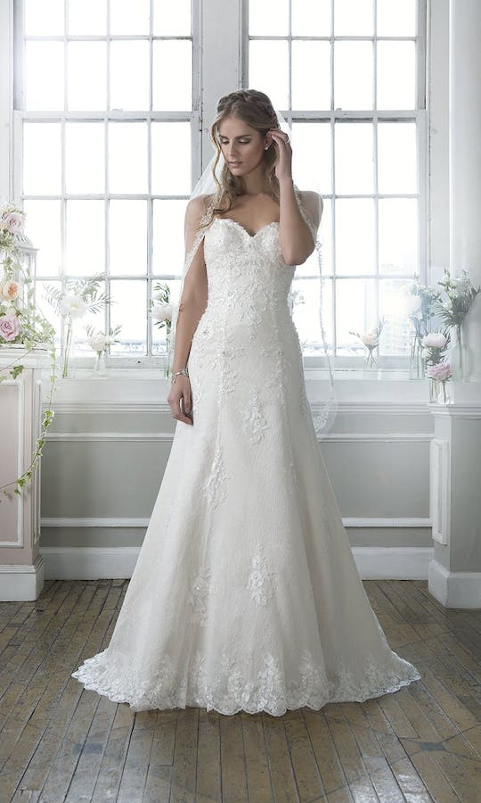 Lillian West 2016 Collection 6384