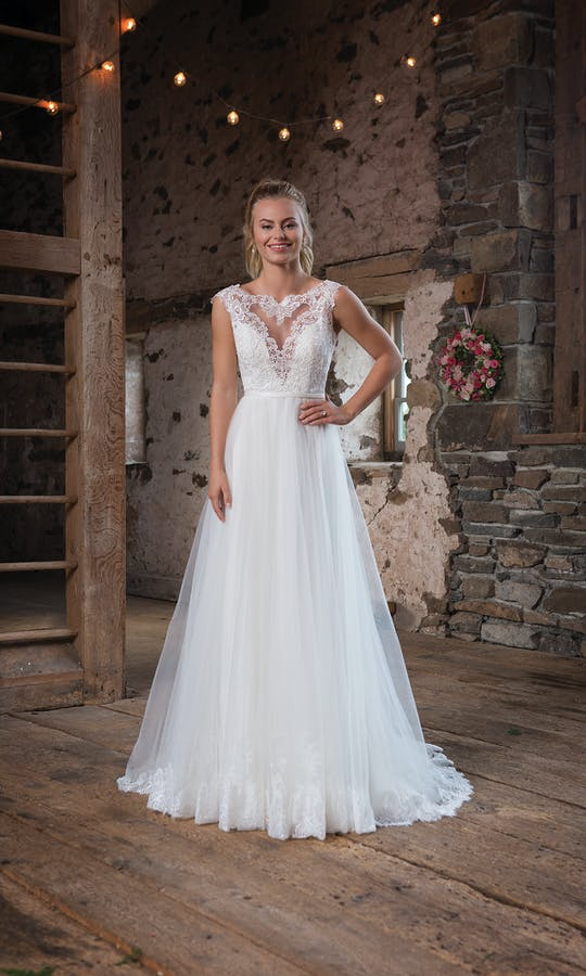 Sweetheart Gowns Autumn/Winter 2017 1100