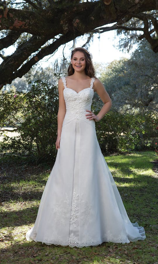 Sweetheart Gowns Spring/Summer 2017 6174