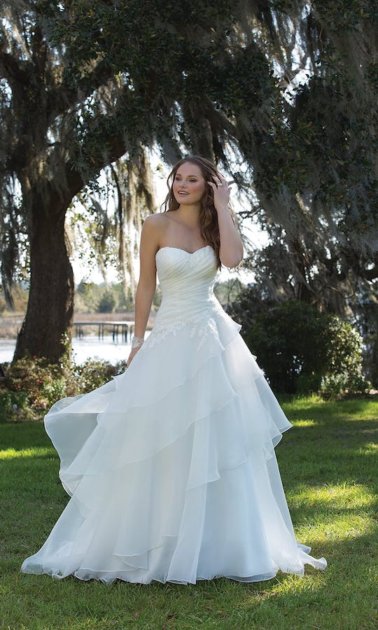 Sweetheart Gowns Spring/Summer 2017 6182