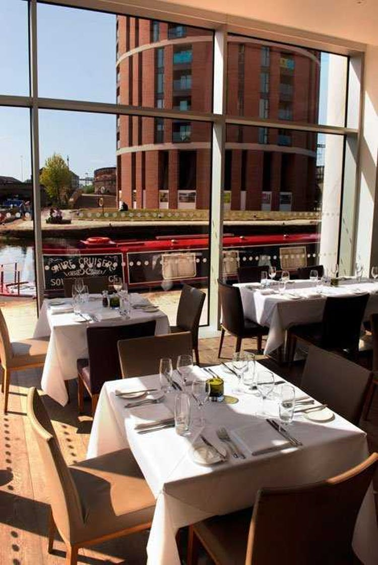 SkyLounge and City Cafe at DoubleTree Leeds City Centre