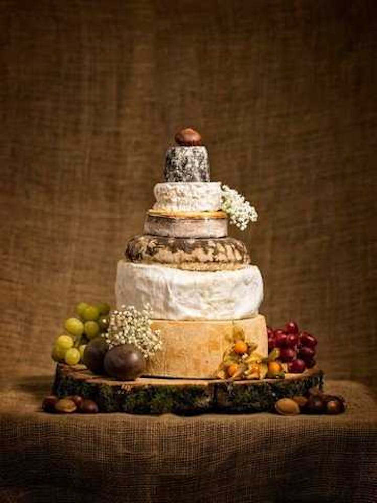wedding cake suppliers gloucestershire the cotswold cheese company wedding cakes in gloucestershire 25827
