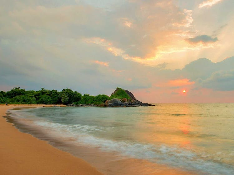 Shinagawa Beach Honeymoons, Sri Lanka