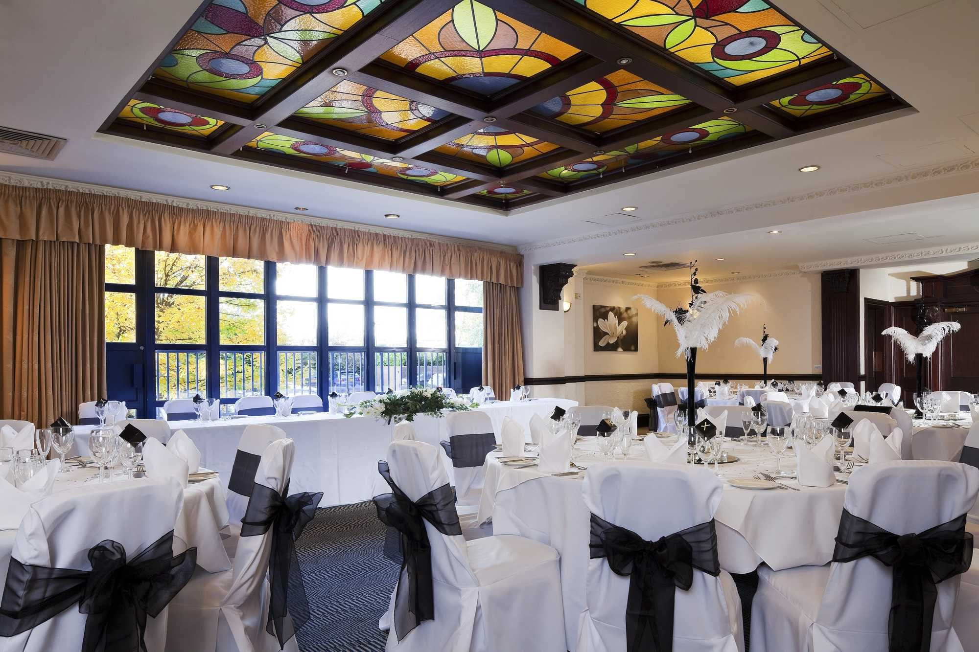 Crowne Plaza Leeds Wedding Venues In West Yorkshire
