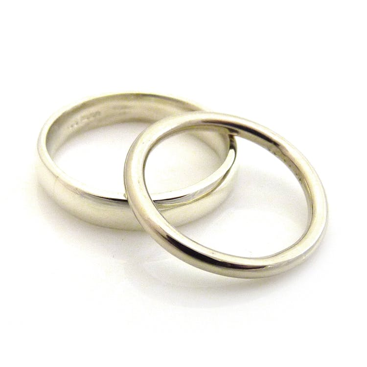 9ct and 14ct White Gold Wedding Rings