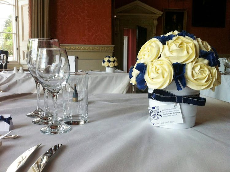 Cupcake centrepieces and favours