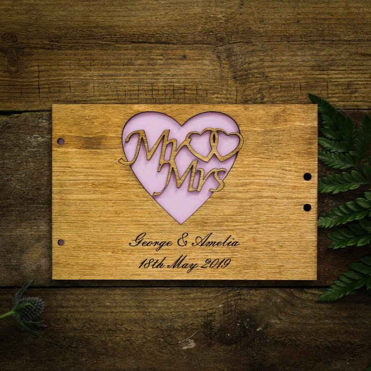 Mr & Mrs Heart logo guestbook