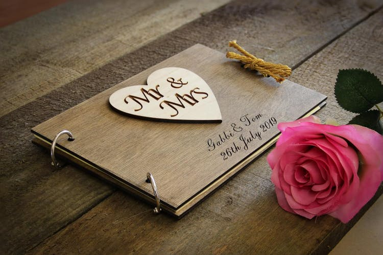 Heart detail style guest book