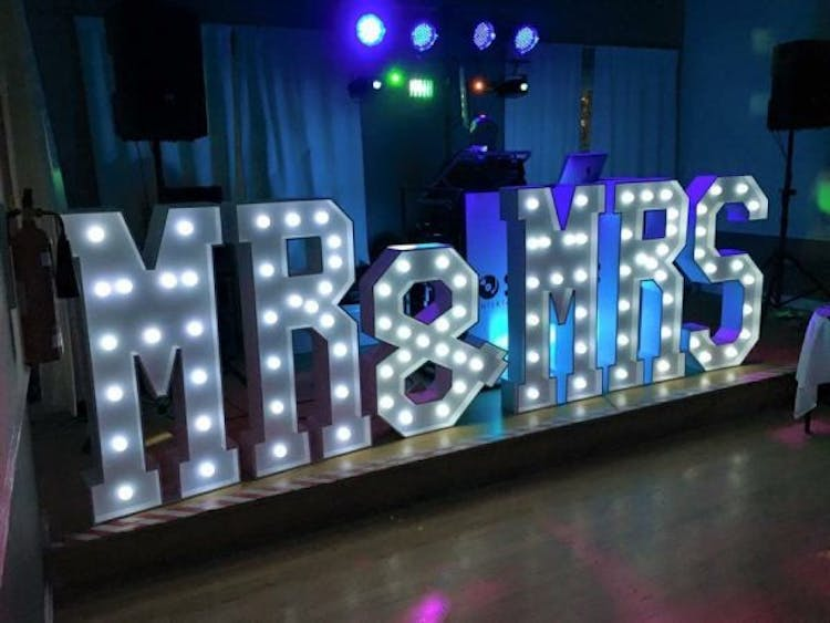 Light Up Mr & Mrs Wedding Letters For Hire London Croydon
