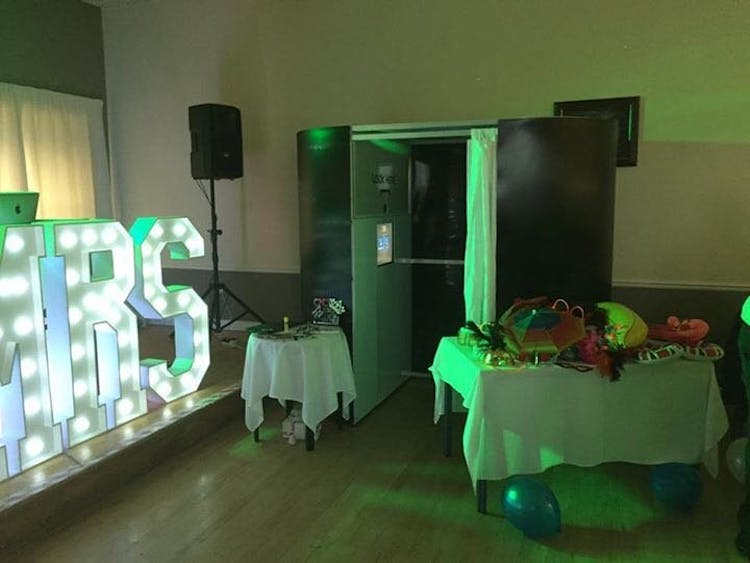 Wedding Photo Booth Hire & Light Up Mr & Mrs Wedding Letters For Hire London Croydon