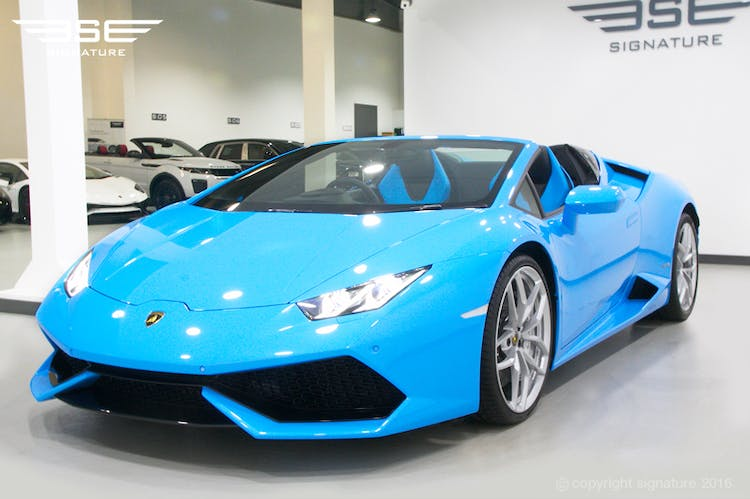 Signature Car Hire - Lamborghini Huracan Spyder Blue